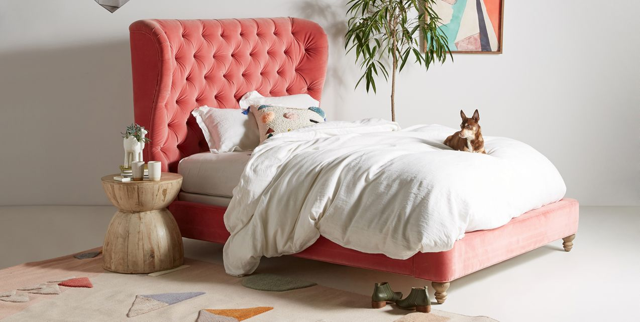 Creating a home you love is important! Are you a velvet lover looking for velvet decorating ideas? Here are 3 ways to add this luxe fabric to your space!  #velvetdecor #homedecorvelvet #homedecorideas #tulipandsage