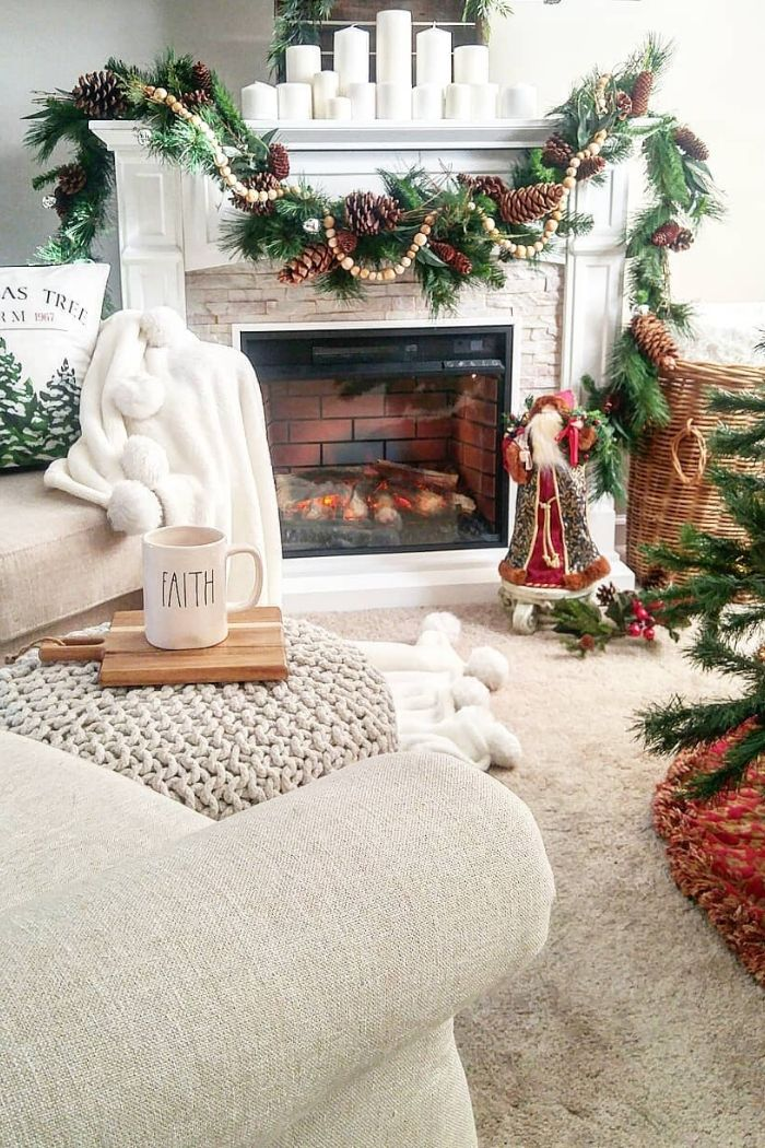 Do you love the holidays as much as I do? Creating a holiday space that brings you joy can impact your mood and well-being. If you're in need of some interior inspiration for the holiday season, check out these 10 swoon-worthy holiday spaces! #interiorinspiration #homedecor #holidays #holidaydecor #christmas #tulipandsage