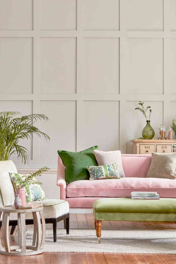 Source: arloandjacob.com // One of my all-time favourite ways to celebrate spring is to bring it indoors. Here are 10+ of my latest favourite springtime spaces to give you some serious spring interior inspiration! #spring #homedecor #springdecor #interiors #tulipandsage
