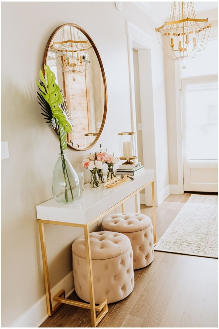Source: hauteofftherack.com // One of my all-time favourite ways to celebrate spring is to bring it indoors. Here are 10+ of my latest favourite springtime spaces to give you some serious spring interior inspiration! #spring #homedecor #springdecor #interiors #tulipandsage