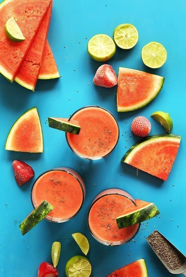 Strawberry Chia Watermelon Smoothie - Minimalist Baker |  5 Healthy Summer Smoothie Recipes | Tulip and Sage