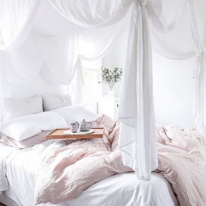Did you know that the way we decorate our home can have an impact on our well-being?  Does the colour white make you feel good?  Ready to feel inspired to create a calm and peaceful bedroom?  Check out these 10 swoon-worthy white bedrooms! #interiors #homedecor #inspiration #whitebedroom #bedrooms
