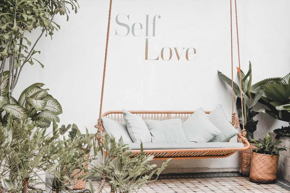 When was the last time you were kind to yourself?  I, like many, have struggled with self-hate.  Here are 4 ways I learned how to build my self-compassion. #selfcompassion #selfcompassiontips #howtobekindtoyourself #selflove #selfcare