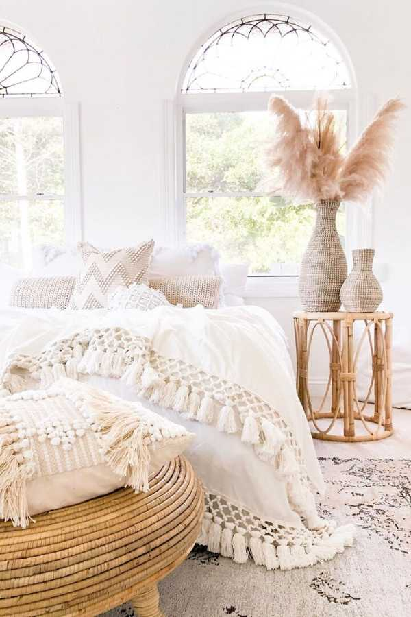 Are you looking for some cozy bedroom inspiration? Here are 10 of the coziest bedrooms and some simple ideas on how to create a warm and cozy space. #cozybedroom #bedrooms #hygge #interiorinspiration