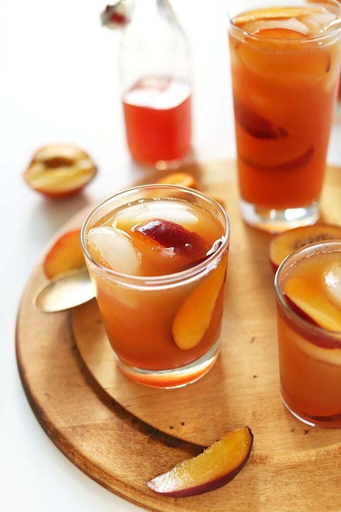 Peach Iced Tea - minimalistbaker.com // There's nothing like enjoying a fresh cold glass of iced tea on a hot summer's day!  Here are 10 Healthy Iced Tea Recipes you must try this summer!  #tulipandsage #healthyicedtearecipes #healthyicetea #icedtearecipes