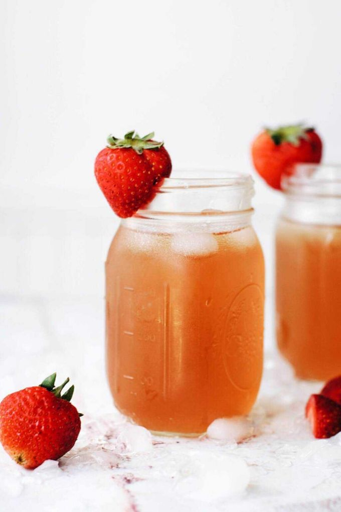 Strawberry Iced Tea - cradlekitchen.com // There's nothing like enjoying a fresh cold glass of iced tea on a hot summer's day!  Here are 10 Healthy Iced Tea Recipes you must try this summer!  #tulipandsage #healthyicedtearecipes #healthyicetea #icedtearecipes