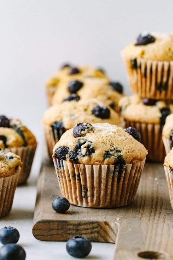 Source: simple-veganista.com / Are you looking for an easy and healthier breakfast option for your busy on-the-go mornings?  Here are 12 healthy muffin recipes you can try! #tulipandsage #healthymuffins #healthymuffinrecipe #healthymuffinrecipesbreakfast
