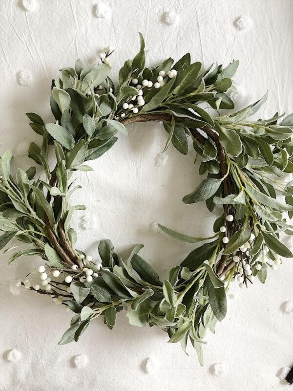 source: my100yearoldhome.com/ If you're looking to get your DIY on this holiday season, we've rounded up our favourite beautifully festive DIY Christmas Wreaths that you'll want to try! #holidaywreaths #holidaywreathsdiy #holidaywreathschristmas #diychristmaswreaths