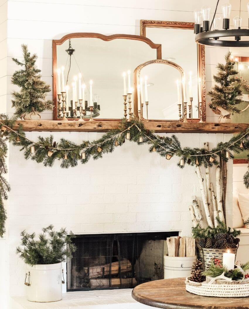 source: beautyforasheshome.com/ On this week's Friday Favourites, find a cozy Christmas living room tour, why a curious mind is a free mind, the prettiest pantry reveal, and more! #fridayfavorites