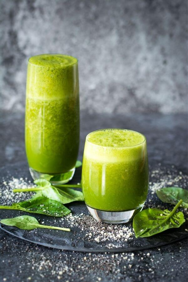 source: laurencariscooks.com/ Looking for some new healthy green smoothie recipes to try this year?  Here are 9 that are packed full of nutrients and good-for-you ingredients! #greensmoothierecipes #greensmoothies #greensmoothieshealthy #healthygreensmoothies