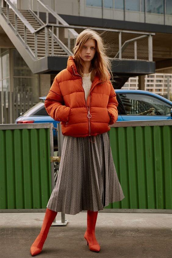source: acemodels.gr/ Dressing for warmth doesn't feel the most stylish. Here are puffer coat outfit ideas that combine warmth and style to inspire your wardrobe this winter! #winteroutfitscold #winteroutfitswomen #puffercoatoutfits #winterpuffercoatoutfits