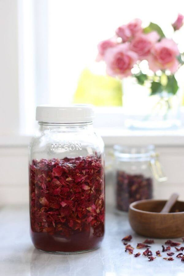 source: alifeadjacent.com/ Looking for ways to hold onto your roses this Valentine's Day?  Here are 14 sweet and simple things to do with your leftover rose petals! #rosepetaldiy #rosepetaldiybeauty #rosepetaluses #thingstodowithrosepetals