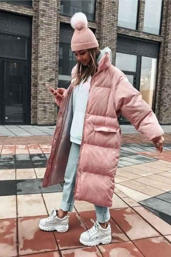 source: pinterest/ Dressing for warmth doesn't feel the most stylish. Here are puffer coat outfit ideas that combine warmth and style to inspire your wardrobe this winter! #winteroutfitscold #winteroutfitswomen #puffercoatoutfits #winterpuffercoatoutfits