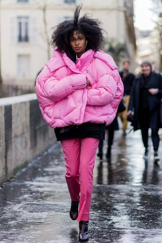 source: stylecaster.com/ Dressing for warmth doesn't feel the most stylish. Here are puffer coat outfit ideas that combine warmth and style to inspire your wardrobe this winter! #winteroutfitscold #winteroutfitswomen #puffercoatoutfits #winterpuffercoatoutfits